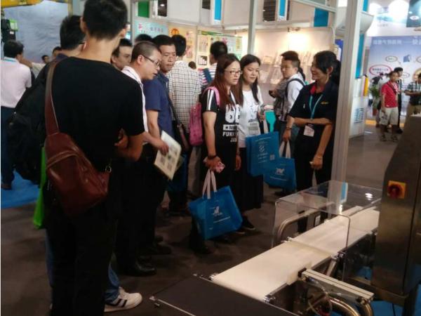 【精量衡器】检重秤2017年5月广州展会现场咨询